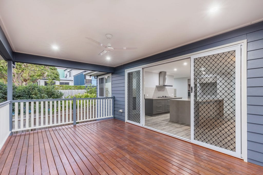 Deck/Patio by Custom Styled Homes - Brisbane & Gold Coast Home Builders